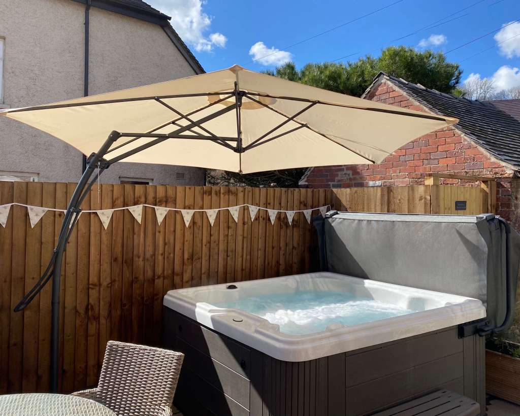 Holiday Cottage With Hot Tub Peak District